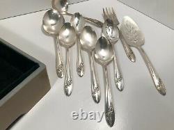 113 pc Oneida Tudor Plate QUEEN BESS II Vintage1946 Silver Plate Flatware Set