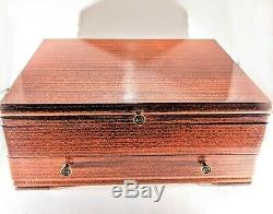 1847 Rogers Bros Daffodil Complete Setting For Eight Wooden Case Original Box