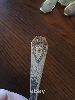 1847 Rogers Bros HERALDIC Hammered HUGE 104 Pc Flatware Set 1916