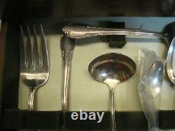 1847 Rogers Remembrance 81pc Silver Plate Flatware Set withBox Heavy Weight svc 12