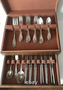 44 Pc Set OLD COLONY Silverplate 1847 Rogers Bros IS with Box Design Back 1911