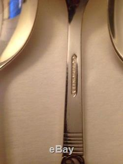 Community Silverplate Flatware Morning Star 68 pc. Set service for 12 in Chest