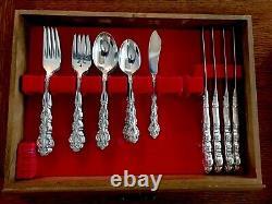 Elegant Baroque Community Silverplate Flatware Set by Oneida 13 Place Settings
