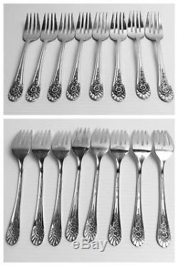 JUBILEE by Wm Rogers Silverware Flatware Set 51 Pieces and Wooden Chest