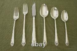 LOVELY LADY Holmes & Edwards silverplate 61pc COMPLETE flatware SET for 8 +chest