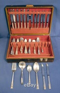 Oneida Community Coronation pattern Silverplate Flatware Set 81 pcs. +/- Box