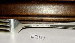 Oneida Community Queen Bess II 1946 Tudor Silverplate Flatware Set withWood Case