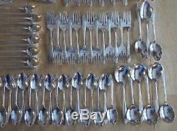 Oneida Community Queen Bess Tudor Plate Silverplate Flatware Set 94 pcs