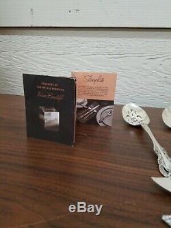 Oneida Community Silver Artistry Silver Plate Flatware 64 Pcs. Ca 1965