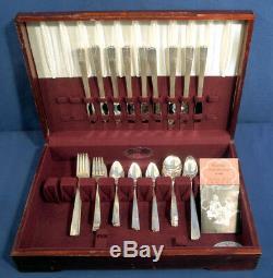 Oneida Silverplate Caprice 1937 64 pcs. Flatware Set 9 Place Settings +/- Box