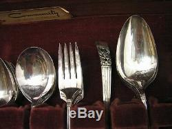 Set Community/Oneida Coronation Silver Plate Flatware Service for 8 66 pcs+Box C