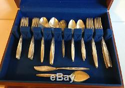 VTG ONEIDA COMMUNITY SILVERPLATE FLATWARE ENCHANTMENT GENTLE ROSE 55PC WithCHEST