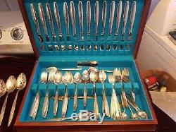Vintage Oneida Community silverplate Silverware Flatware Set with box