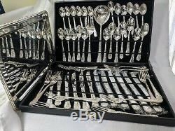WM Rogers Co Silverplate Flatware Enchanted Rose 51 piece 12 Place Settings Tray