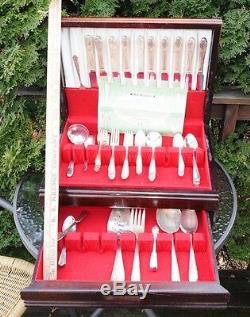 Wm. A. Rogers A1 Plus Oneida LTD Fleur De Lis Set In Wood Box 66 Pieces Flatware
